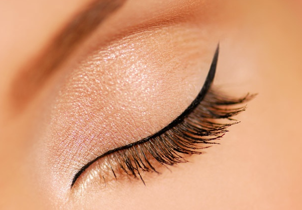 Eyes with thin black eyeliner