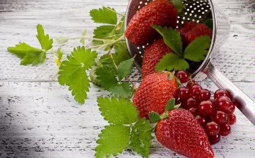 strawberries anti-inflammatory