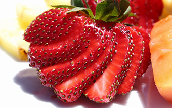 sliced strawberreis folic acid
